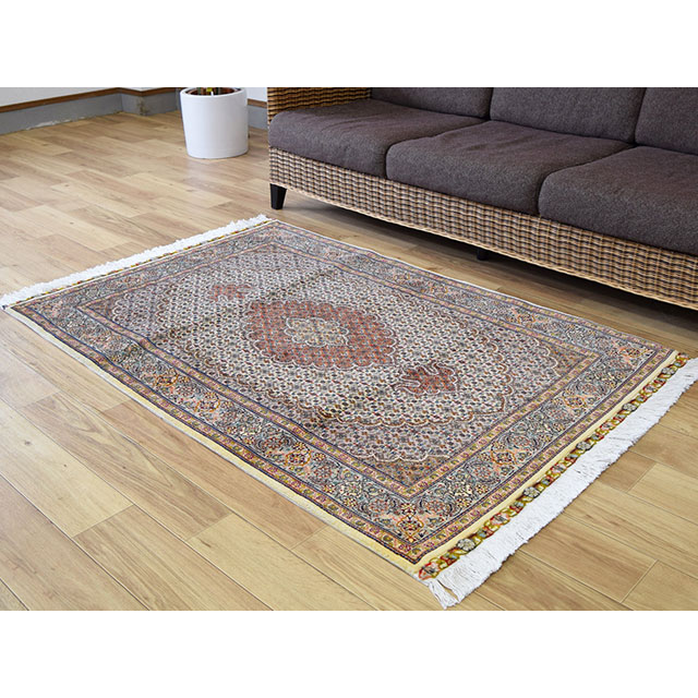 ペルシャ絨毯・ギャッベフェア